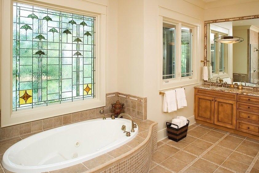 Как выбрать окно для ванной комнаты