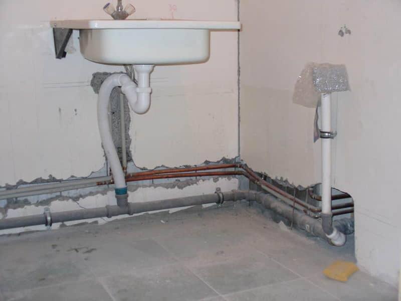 ремонт канализации в ванной своими руками