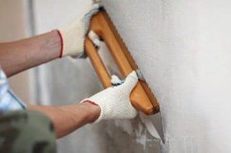 выравнивание стен и пола помещения санузла