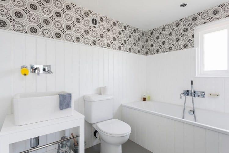 Отделка ванны пластиковыми панелями