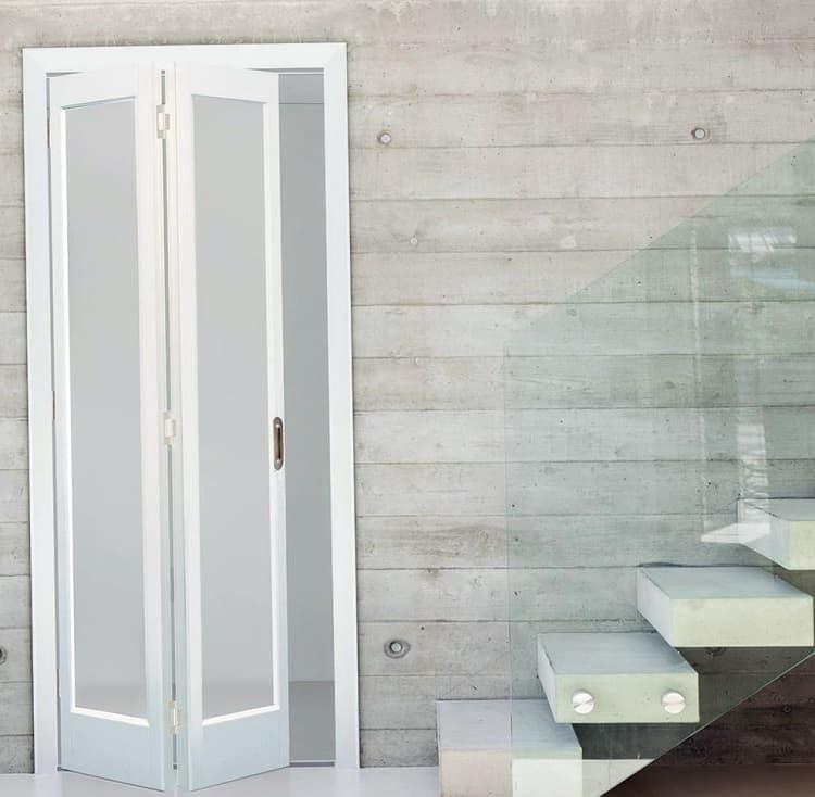 Складная дверь для ванной комнаты