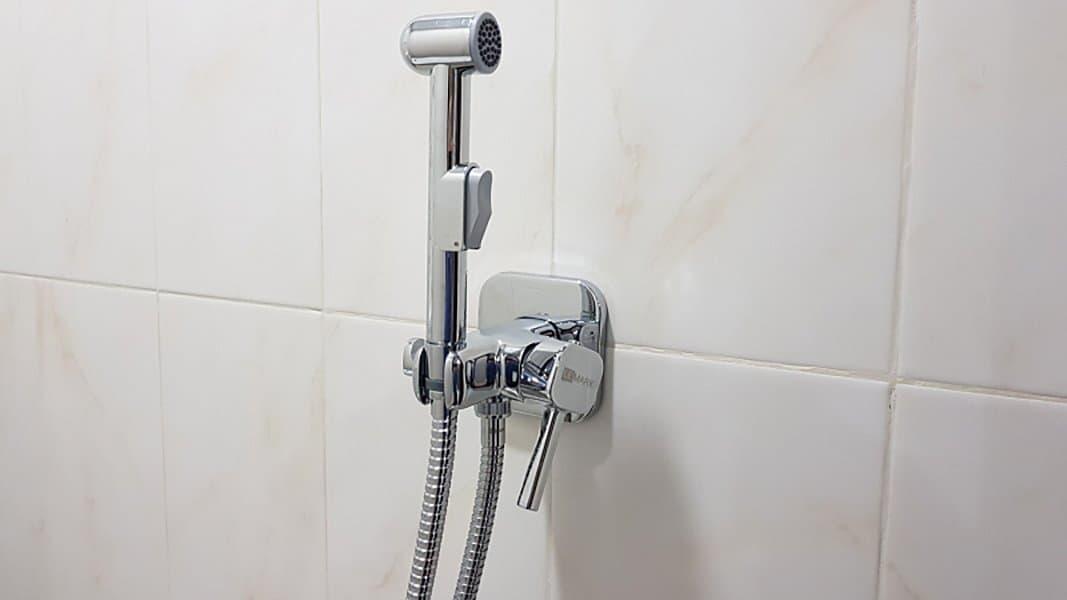 встраиваемая в биде душ