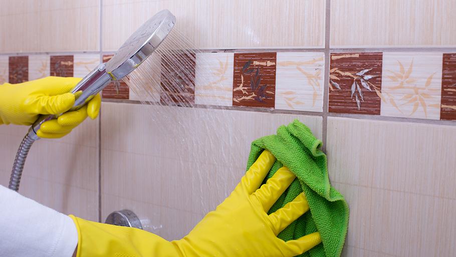 Чем помыть кафель в ванной чтобы блестела: лучшие способы