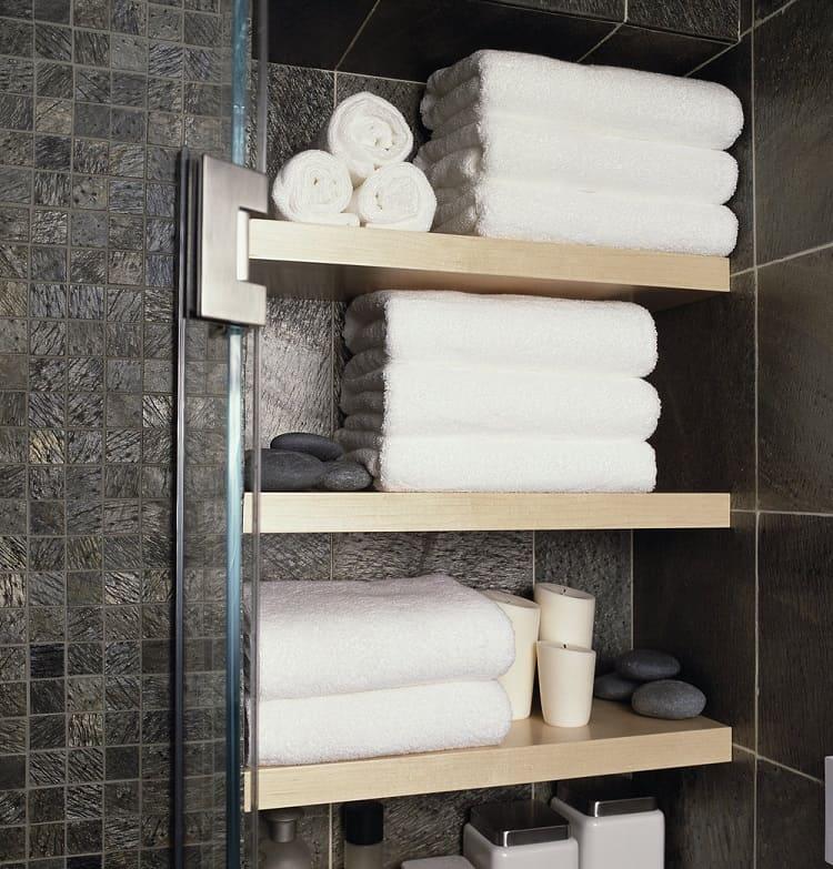 Полки в ванной для полотенец