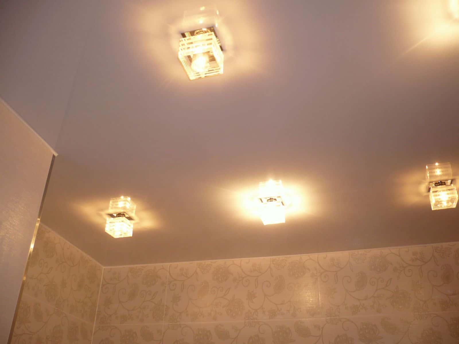 припотолочные светильники на натяжном потолке