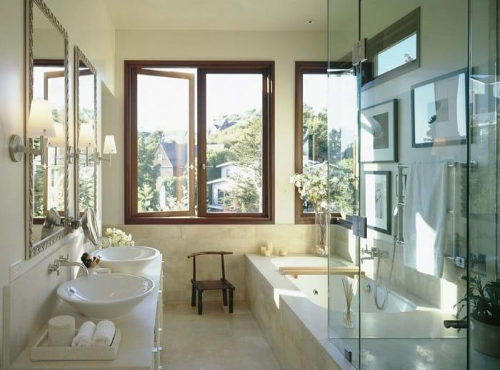 окно в ванной комнате