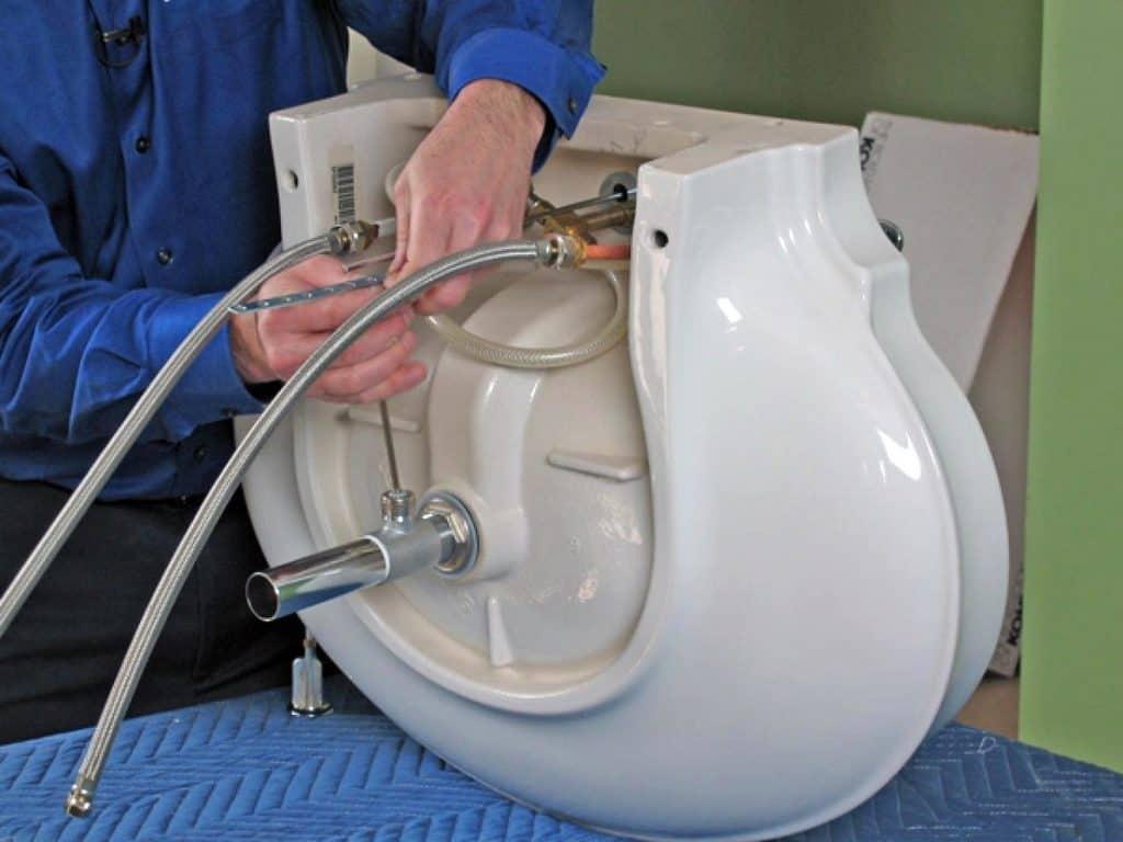 Подключение оборудования к раковине