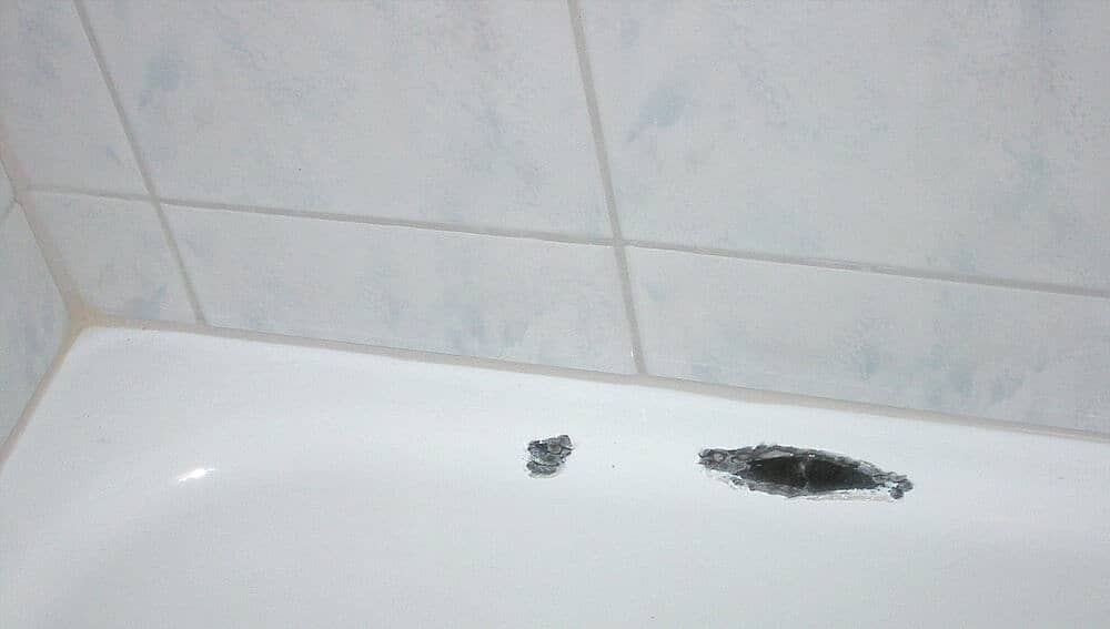 Ремонт сколов на ванне