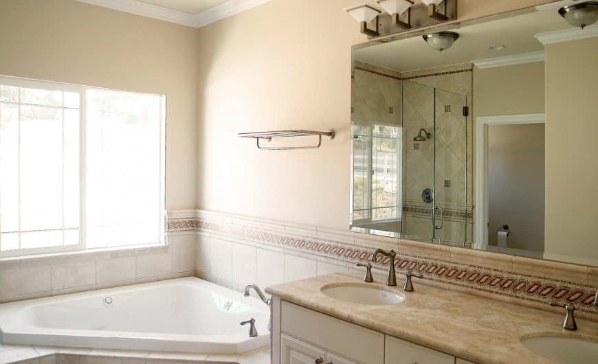 Дизайн бежевой ванной комнаты