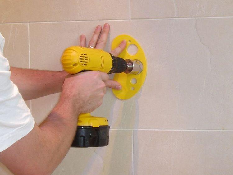 как сверлить кафельную плитку на стене в ванной