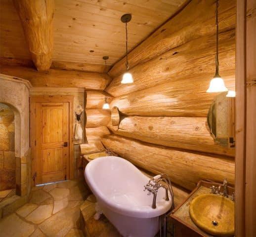 ванна с деревянными стенами