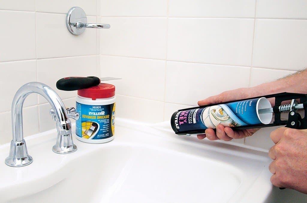 Герметик силиконовый для ванной
