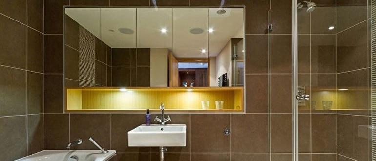 Как выбрать большое зеркало для установки в ванную