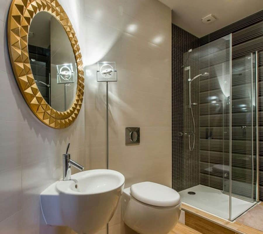 Интерьер ванной комнаты фото в современном стиле эконом класса