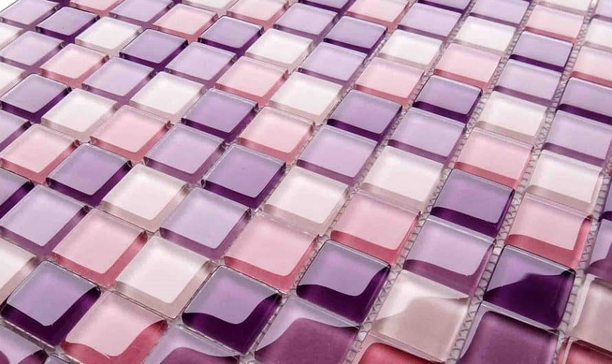 Как самостоятельно уложить и приклеить мозаичную плитку в ванной