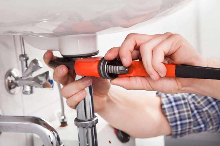 Как установить сантехнику в ванную