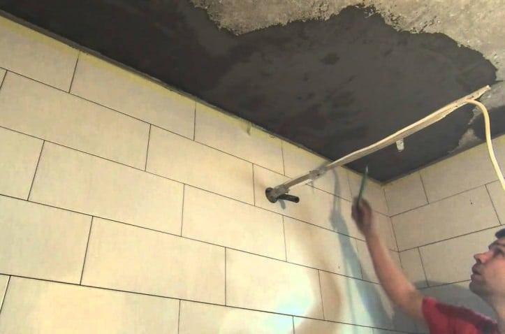 Как самому организовать гидроизоляцию потолка в ванной комнате