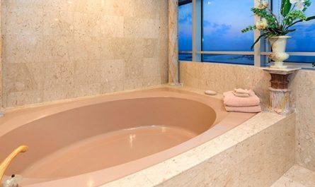 Засор в ванной как устранить содой и уксусом