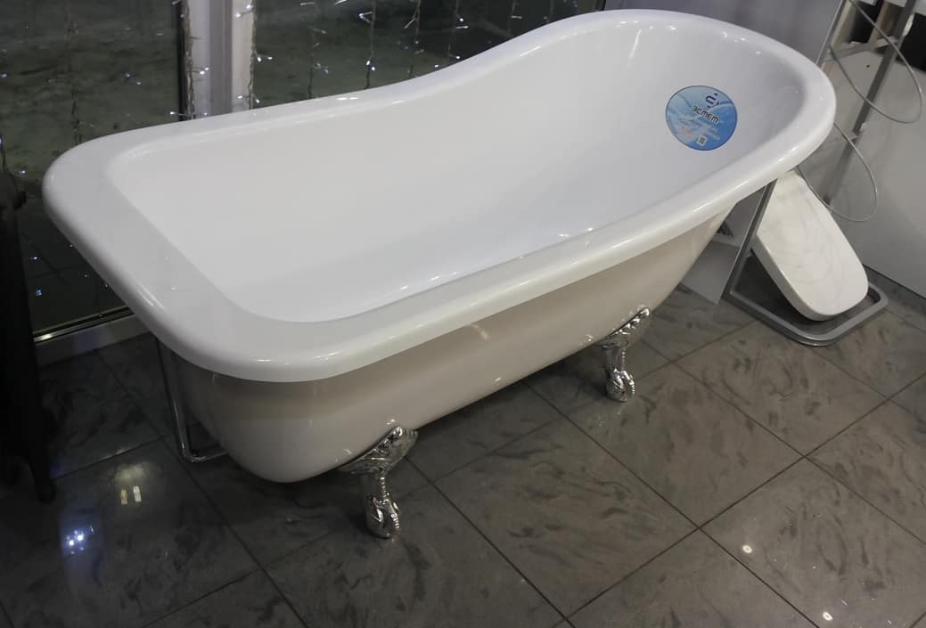 Ванна из литьевого мрамора в интерьере-6