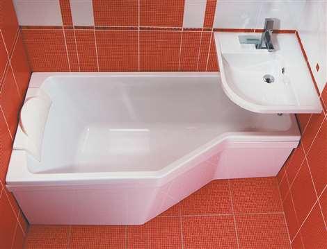 Асимметричная ванна в интерьере