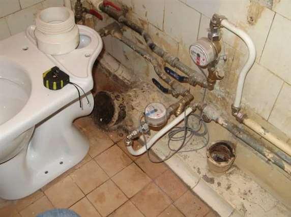 Демонтаж ванны и унитаза